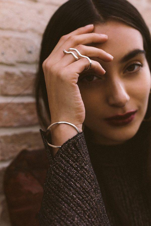 Laura-Essayie-lenvers-du-decor-blog-bijoux-Alicia-Linden-Margaux-Gayet