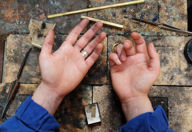 Marion-Colasse-lenvers-du-decor-blog-www.lenvers-du-decor.com-mains-marion-colasse