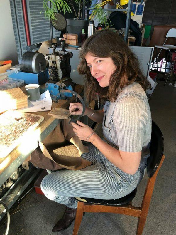 laura-essayie-lenvers-du-decor-blog-bijoux-atelier