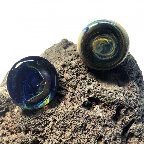 www.lenvers-du-decor.com-bagues-nébuleuse-verre-latelier-verrerie-du-chat-noir