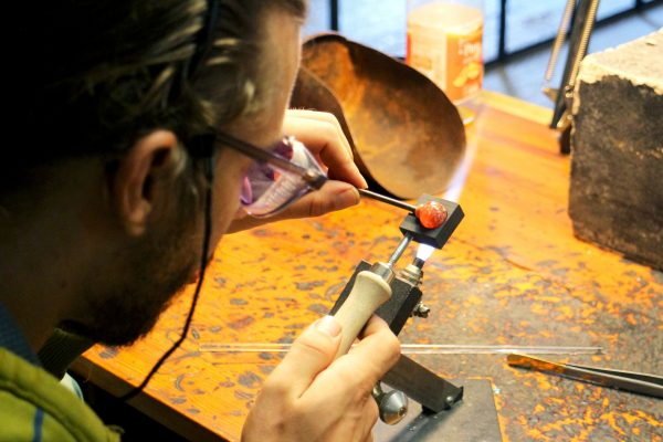 www.lenvers-du-decor.com-détail-verre-latelier-verrerie-du-chat-noir